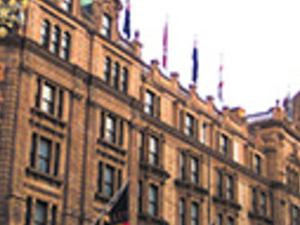Harrods Vintage Open Top Bus Tour, River Cruise and Guard Watching Photos