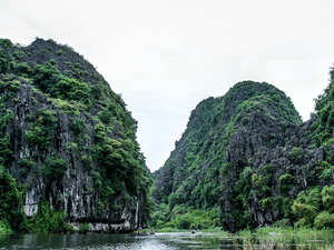 Hoa Lu – Tam Coc Photos