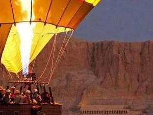 Hot air balloon ride in luxor, Egypt Photos