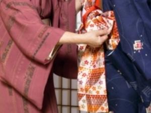 Kimono wearing, Tea Ceremony, Calligraphy, Origami, with flower arrangement demonstration Photos