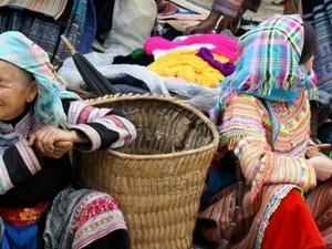 Lao Cai - Sapa - Binh Lu Market Photos