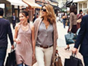 La Vallée Village Shopping Express Photos
