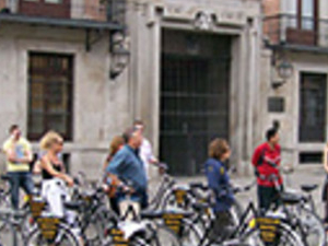 Madrid Highlights Bike Tour with Dutch Guide