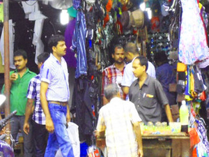 Mumbai Local Bazaar Walk Tour with Lunch Photos