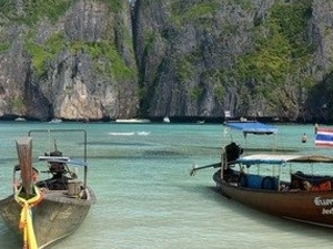 Phi-Phi island - 1 day sea tour by speedboat Photos