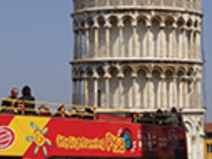 Pisa tourist bus