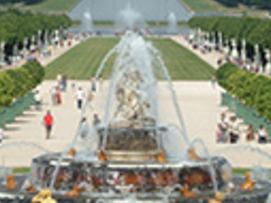 Skip the line. Guided Versailles and Fountains Show. Photos