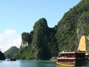 Summer Promotion - Halong Bay Cruise on Bai Tu Long Junk 2 days Photos