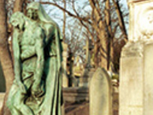 Unusual Paris: Pere Lachaise Cementery Photos