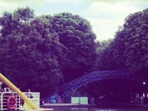 Walking tour to canal Saint-Martin or Spot of Paris' underground Photos