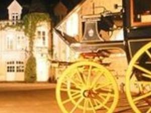 WINE TASTING & CHATEAUX TOUR OF THE LOIRE VALLEY : Paris, Tours, Chambord, Saumur, Angers, Nantes, Mont Saint Michel, Caen... Photos