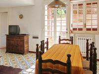 Nice, quiet  villa apartment