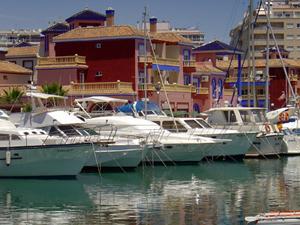 Apartments Marina Internacional