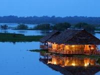 Camiri Floating Hostel and Bar Lounge
