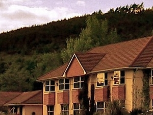 Cedar Lodge Hotel and Restaurant