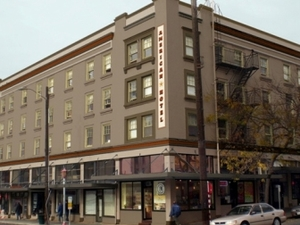 Hostelling International at the American Hotel