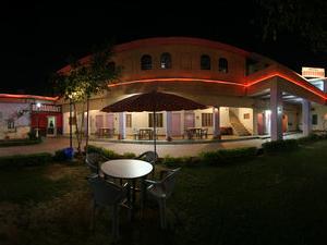 Hotel Goverdhan Tourist Complex