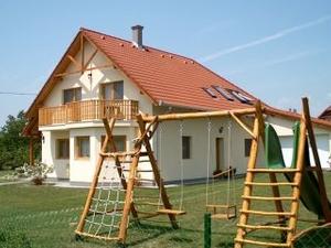 Kovacs Apartments