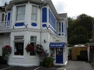 Lyn Glary Hotel