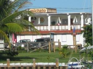 Michelo Hotel