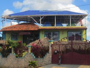 Nicki's Art & Surf Hostel