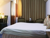 Oriental City (Starway Kaihao) Hotel
