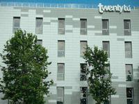 Twentytu high-Tech Hostel