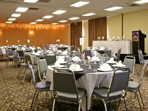 Best Western Renfrew Inn