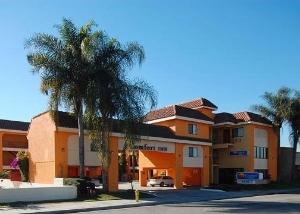 Comfort Inn Near Downey Studio