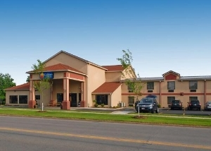Comfort Inn Near Walden Galler
