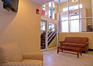 Comfort Inn & Suites JFK Airport