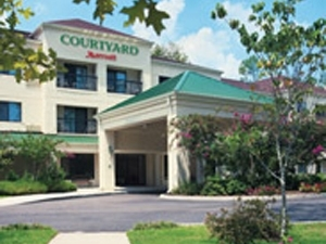 Courtyard Marriott Chi Wood Da