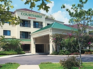 Courtyard Marriott Rochester E