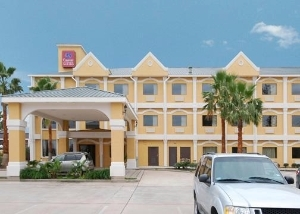 Comfort Suites Near The Woodl