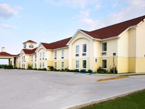 Days Inn And Suites Bayou Land