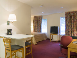 Homestead Studio Suites - Meadowlands - East Ruthe