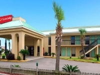 Econo Lodge Inn And Suites Gu