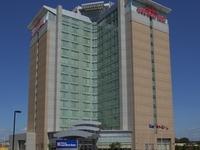 Hilton Garden Inn Toronto Apt