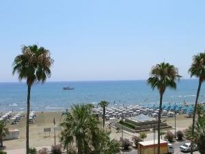 Les Palmiers Beach Hotel