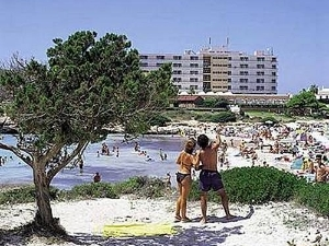 Hi Cala and Bosch Hotel