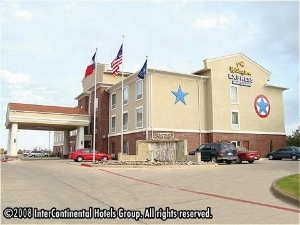 Holiday Express and Suites Cleburne