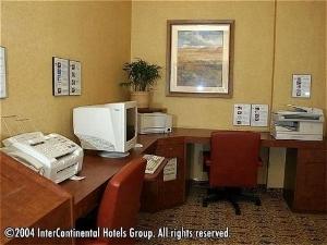 Holiday Inn Anaheim Adj Disney