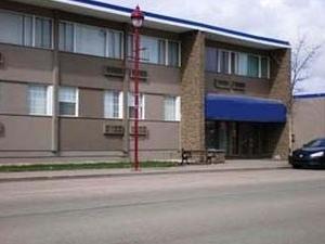 Howard Johnson North Ridge Inn