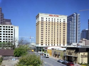 Hampton Inn And Suites Austin Dwtn