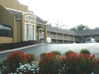 Quarters Inn And Suites