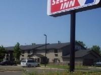 Select Inn Maple Grove