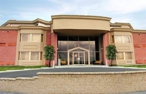 Hotel Chateauneuf Laval
