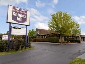 Knights Inn Liverpool Ny