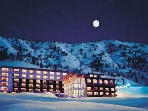 Altas Rustler Lodge