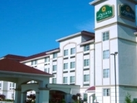 La Quinta Inn Suites Lakewood